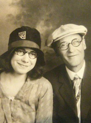 1920s Round frame eyeglasses for men and women