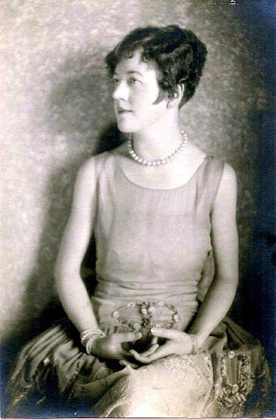 1920s hairstyle Eton crop