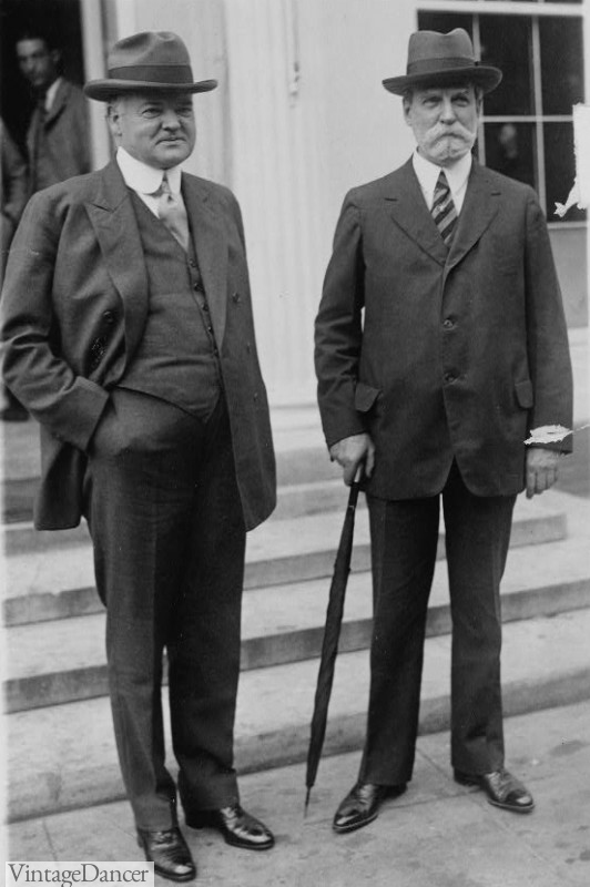 1920s mens wearing suits
