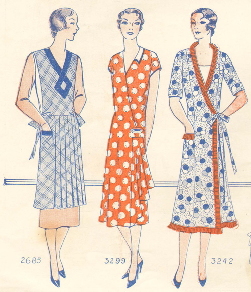 1929 wrap style house dresses return to start the new decade