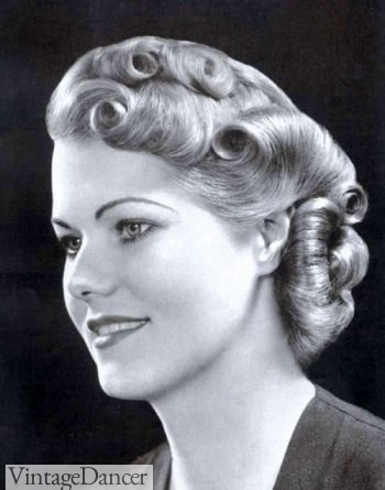 Rolls all over for this 30s look