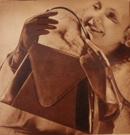 0b5d7b968a18 1930s Handbags and Purses History with Pictures