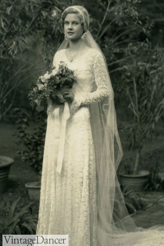 1931 all lace wedding gown with tulle veil