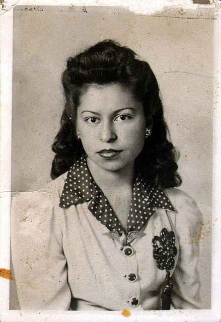 1940s latina women hairstyles - Half up/down with bouffant top