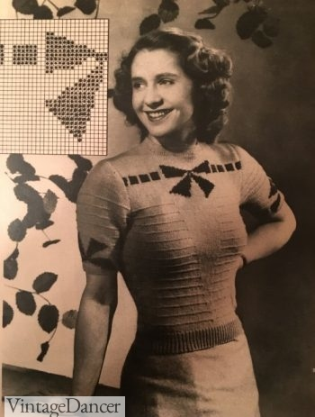 1940s bow sweater with extra room in the sleeves
