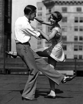 Roaring 1920s Dance Styles – Charleston, Fox Trot, Texas Tommy