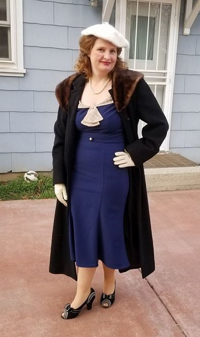 1930s outfit idea for winter. My 30s date night outfit with fur collar winter coat at VintageDancer