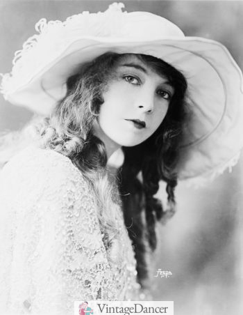 Lillian Gish long curl hair and hat
