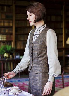 Mary Crawley's plaid 20s suit