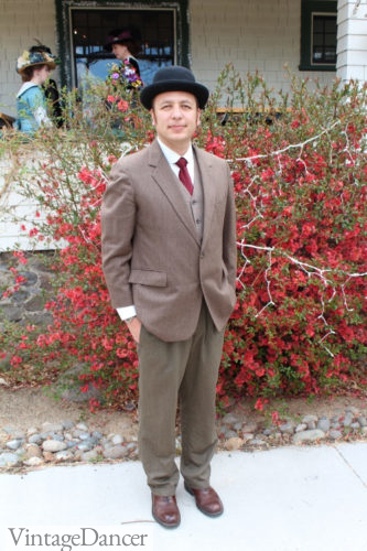 1910s men's costume - Thrifted brown suit and bowler hat for an easy 1910s look
