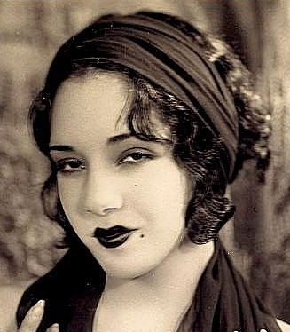 1920s Mexican hairstyles Lupe Velez,, curly hair with headwrap