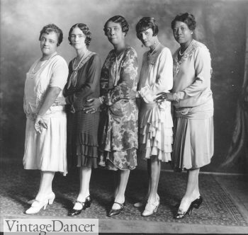 The North Carolina Mutual Quintet, led by Bessie Whitted, late 1920s - a few plus size fashions here. They look amazing!