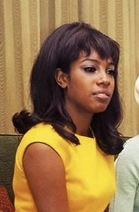 The Supremes 1960s long hairstyles flip black women