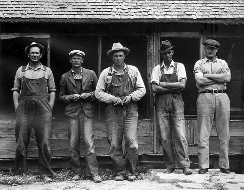 1937 displaced tenant farmers in overalls