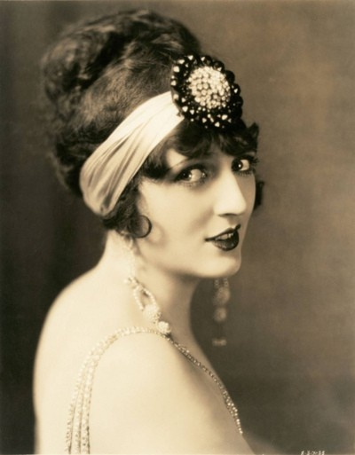 1920s Headwrap with large decoration