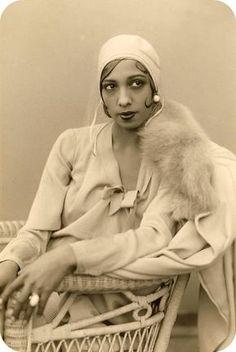 Josephine Baker- cloche hat, fur collar coat 1920s