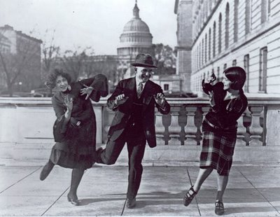 1920s dancing in the streets